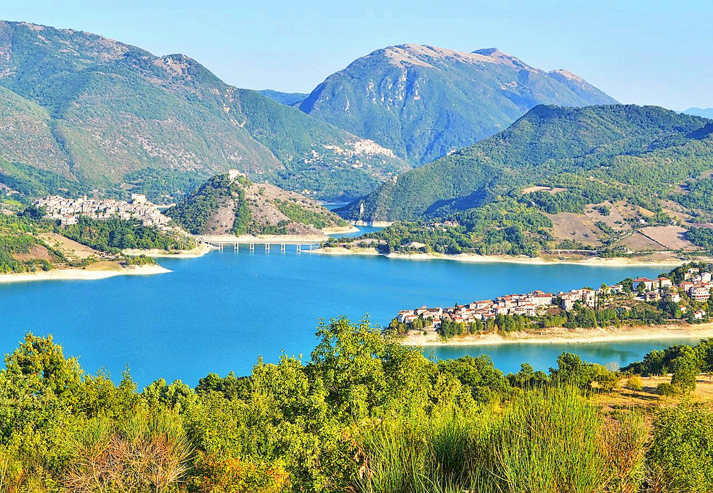 EXCURSION TO LAGO DEL TURANO